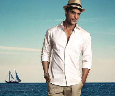 Guide to Wear White Shirts: Men's Fashion Blog by Vitruvien